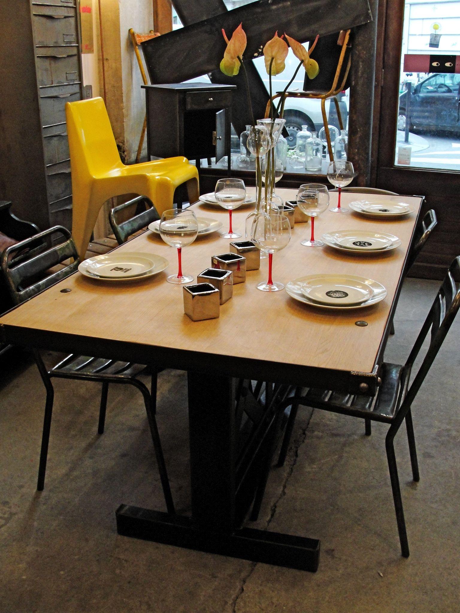 Usine carouche interpr te d 39 objets - Table haute industrielle ...